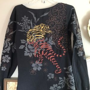 Lucky Brand embroidered Long Sleeve T~LG